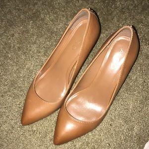 Pointed Toe Heel